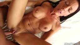 Девушка успешно прошла порно кастинг
