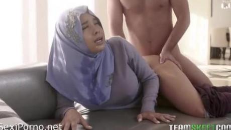 Мусульманка дала в жопу европейцу. Исламское порно